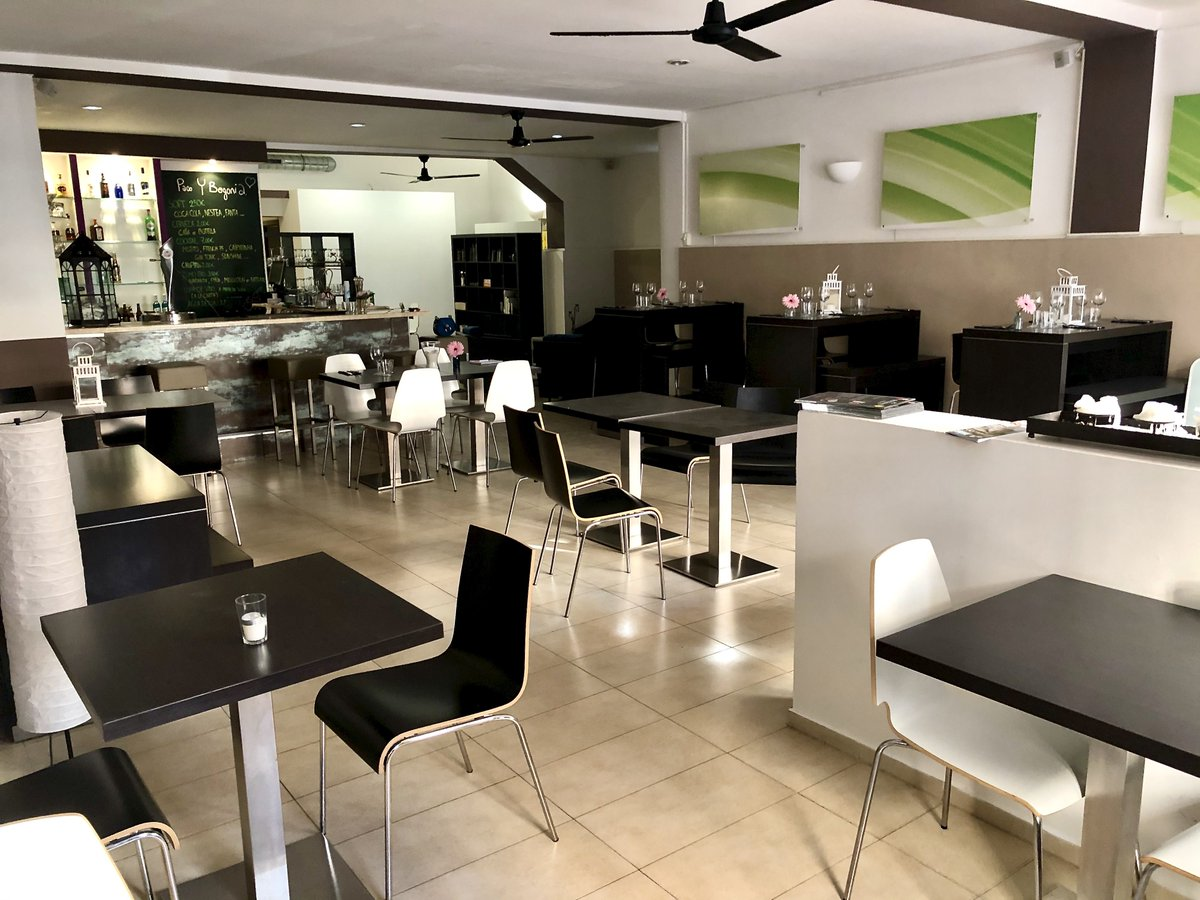 Restaurant Bar in Santa Catalina