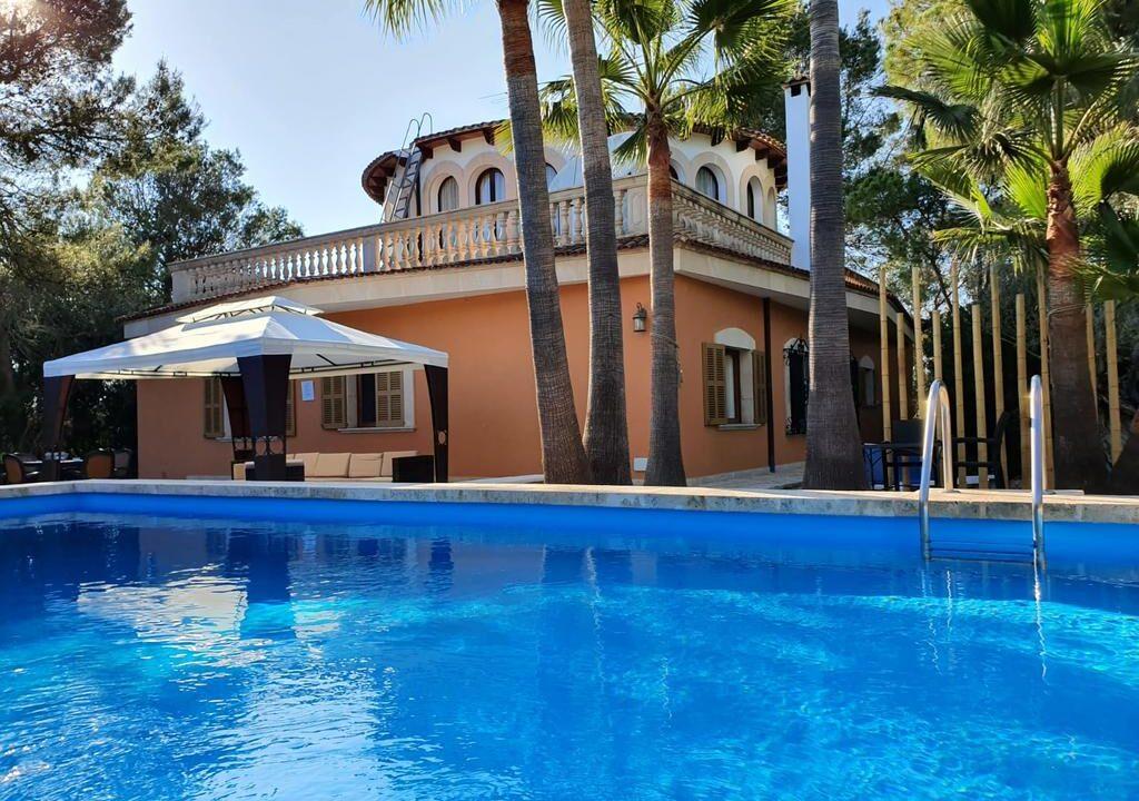 Touristic-Country-Villa-in-Campos